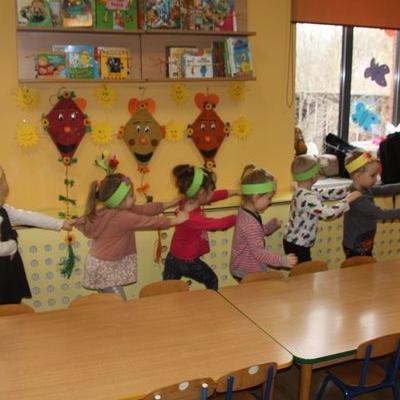Przedszkolaki witają wiosnę 43