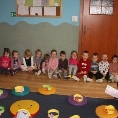 Przedszkolaki witają wiosnę 103