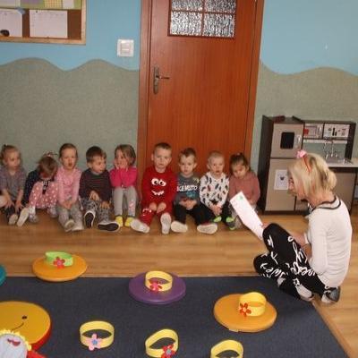 Przedszkolaki witają wiosnę 104
