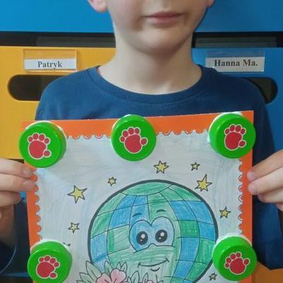Przedszkolaki z kartką serca  2