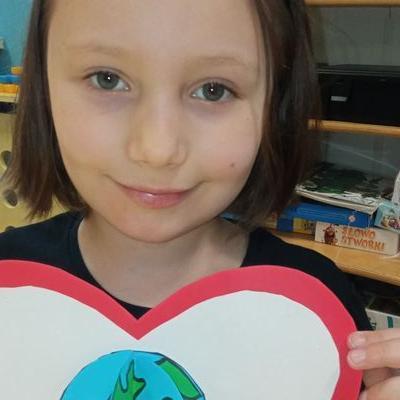 Przedszkolaki z kartką serca  3