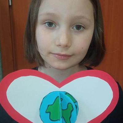 Przedszkolaki z kartką serca  7