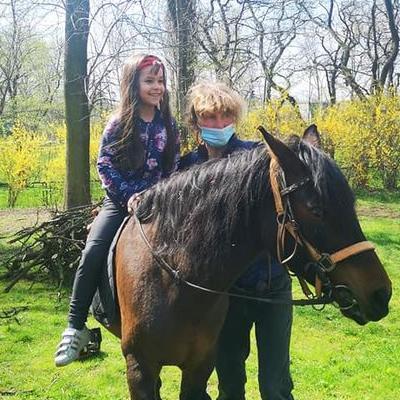 Przedszkolaki z koniem 28