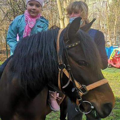 Przedszkolaki z koniem 11