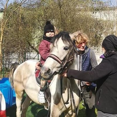 Przedszkolaki z koniem 3