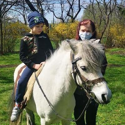 Przedszkolaki z koniem 38