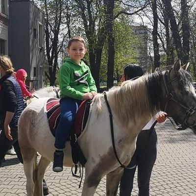 Przedszkolaki z koniem 4