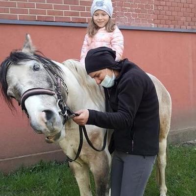 Przedszkolaki z koniem 7