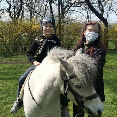 Przedszkolaki z koniem 8
