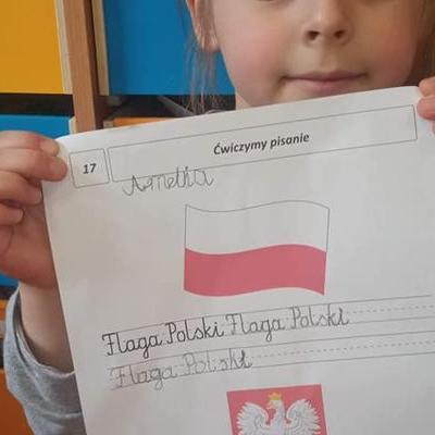 Przedszkolaki z flagą 5